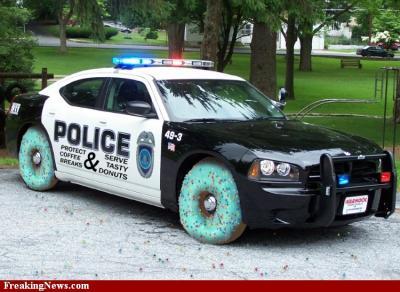 Police-Car-with-Donut-Wheels--57950.jpg