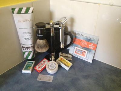 Shaving Kit 2.jpg