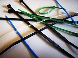 250px-Cable_ties.jpg